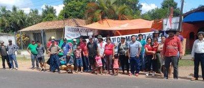 Sintierras acampan frente al Indert en Paraguarí