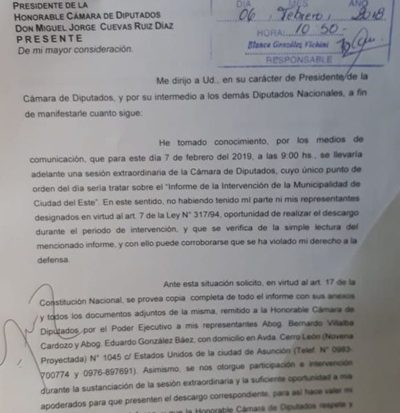 "Sandra se presenta ante Diputados como ""Intendenta"", y descalifica a ""kelembú"""