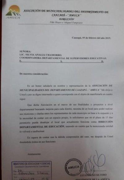Desalojan a Dirección Departamental de Educación de Caazapá