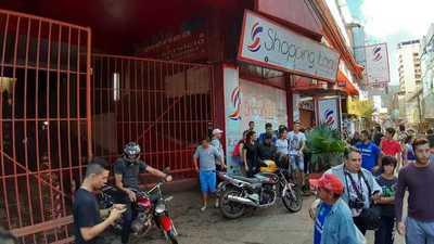 Incidentes en recorrido para liberar a funcionarios