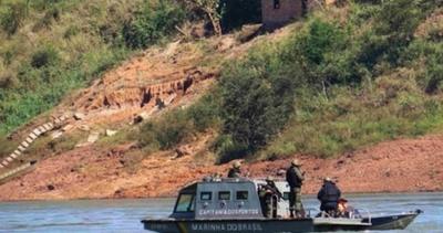 Marina brasileña realiza control de embarcaciones en la frontera