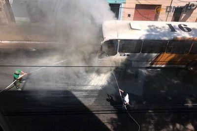 Otro bus ardió en el centor