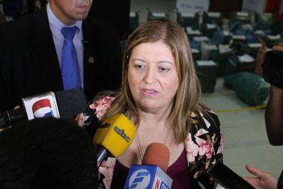 """Sandra Quiñónez: """"Lo que Arrom construyó hace años, hoy es el EPP"""""""