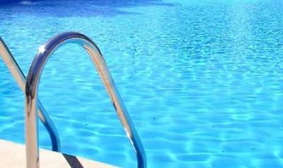 Bebé muere ahogada en piscina