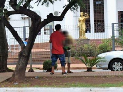 Más de 35% de niños en estado de calle sufren de adicción a las drogas