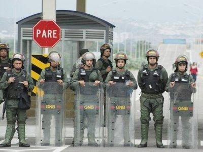 La ayuda humanitaria es el arma política en la pugna Maduro-Guaidó