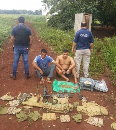Dos detenidos con armas largas en Pedro Juan