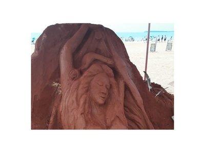 Impresionante festival de esculturas de arena