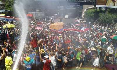 Partidos opositores dialogan para presentar una sola  candidatura