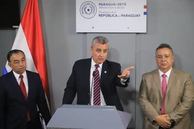 Presidente pidió informes sobre casos pendientes de extradición y expulsión