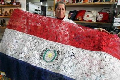 Buscan valorizar a la mujer artesana