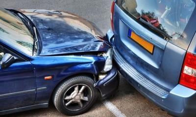 Conductor alcoholizado chocó contra vehículo estacionado – Prensa 5