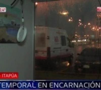 Temporal causa destrozos en Costanera de Encarnación