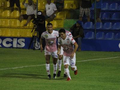 Cristian Paredes anota el mejor gol de la fecha