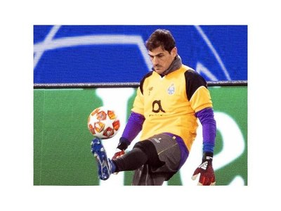 Iker Casillas agiganta su leyenda