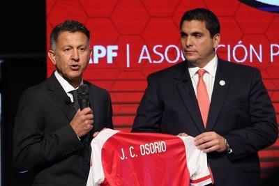 """Parece que """"osóta"""" hína el """"romance"""" con Osorio"""