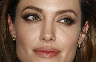 La reacción de Angelina Jolie al enterarse de que Brad Pitt asistió al cumpleaños de Jennifer Aniston