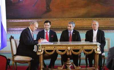 Gobierno y comuna asuncena acuerdan desarrollar en conjunto el Plan de la Franja Costera
