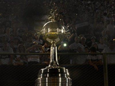 Conmebol busca mejorar emisiones de Libertadores