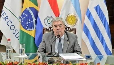 HOY / Saguier Caballero, embajador  ante Brasil, recuerdan su papel  durante crisis que tumbó a Lugo
