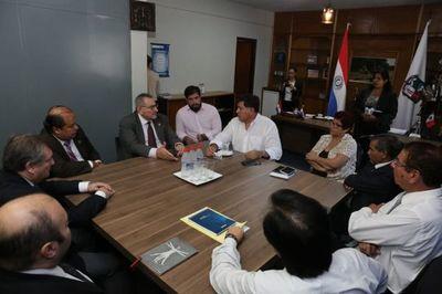 Ministros de la Corte se reunieron con el intendente de Lambaré