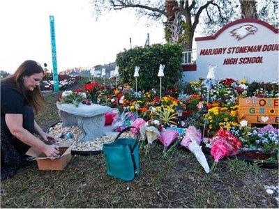 Parkland recuerda a víctimas de trágico tiroteo del Día de San Valentín