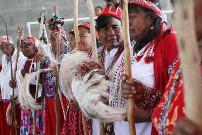 Senatur apunta a revalorizar la artesanía y cultura indígena