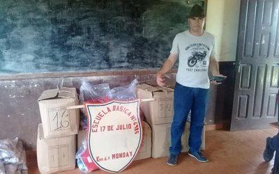 Completan distribución de kits escolares en Franco y Cedrales