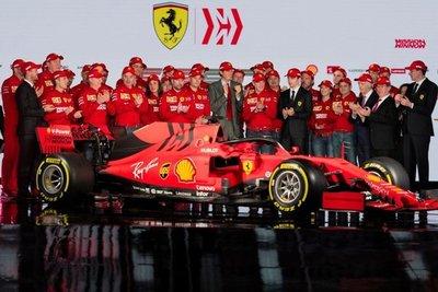 Ferrari presentó el coche 2019