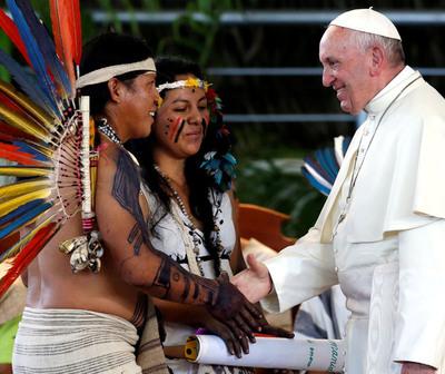 """El Papa pide """"mestizaje cultural"""" con los puebols indígenas"""