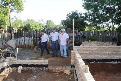 Presidente verificó construcción de viviendas sociales en Yaguarón