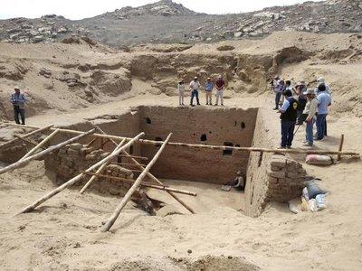 Descubren en Perú una gran cámara funeraria inca