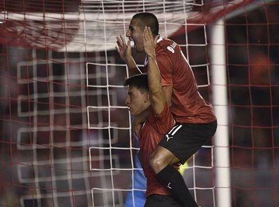 Cecilio Domínguez marca un golazo con Independiente