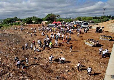 Unos 1.000 voluntarios extrajeron 370 Tn de basura del Mburicaó