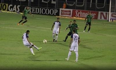 HOY / Cecilio la descose con su primer gol en Argentina