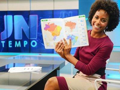 Afrodescendiente presenta por primera vez noticiero principal