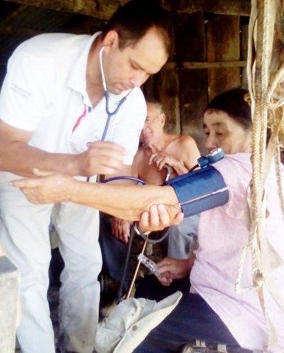 Médicos llegan después de años de abandono