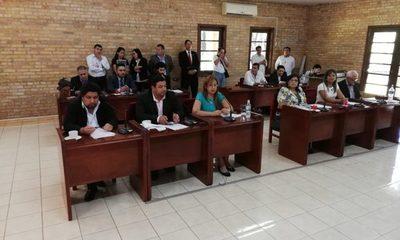 Junta aprueba presentar denuncia penal contra   Sandra de Zacarías por sus robos en la Comuna