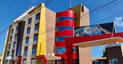 Senatur visita nuevo hotel construido en el kilómetro 13