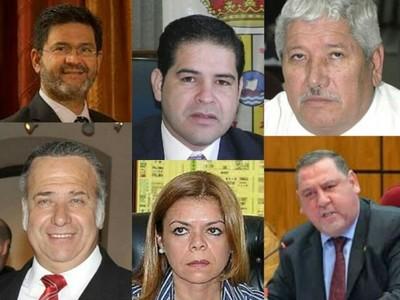 Cortados con la misma tijera: todos dicen ser perseguidos políticos