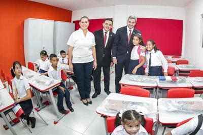 Con aulas renovadas y kits escolares entregados al 100%, se da inicio al año lectivo