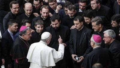 El Vaticano publica las propuestas para ayudar a combatir y denunciar abusos