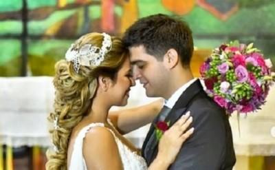 Enrique Dávalos expresó su emoción tras casarse con la periodista Fernanda Robles