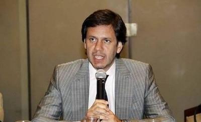 HOY / Exministro bajo la lupa de la  Seprelad: sospechan que lavó  dinero durante su mandato