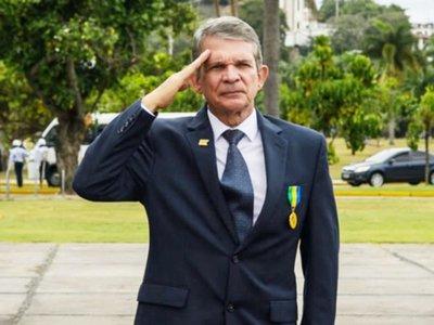 Bolsonaro pone a militar al frente de Itaipú para negociar con Paraguay