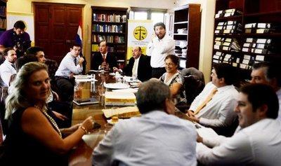 Gremios exigen renuncia e interpelación de Bacchetta