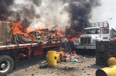 Venezuela Denuncian quema de camiones con ayuda humanitaria – Prensa 5