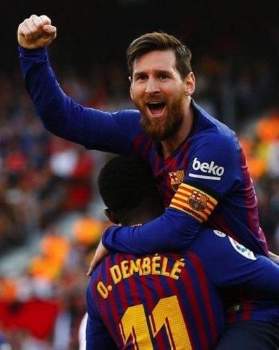 Partido cañón de Messi y tres goles al Sevilla