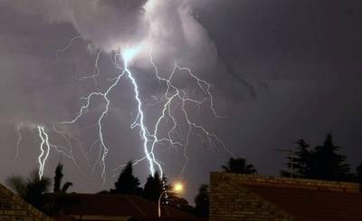 HOY / Tarde de domingo entre tormentas eléctricas, fuertes ráfagas de viento y granizada