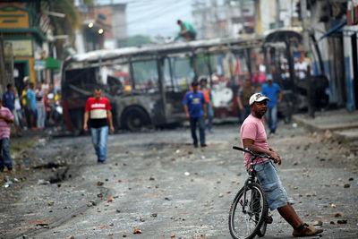 Colombia pide aumentar cerco contra Maduro